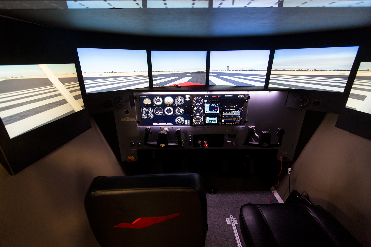 8 VFR Emergencies Perfect for Flying in a Simulator